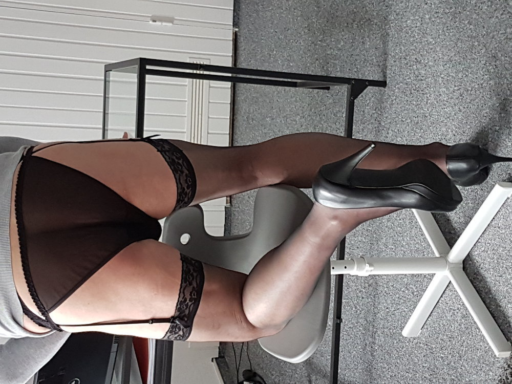 GermanCrossdresser Secretrary in Nylons in Office