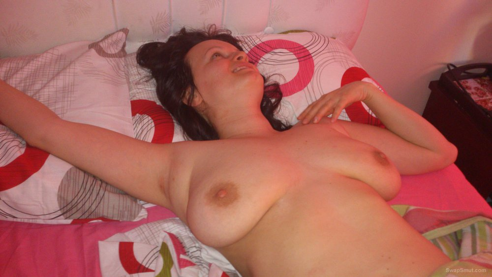 Amateur MILF with big natural boobs - naked