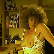 Choucou french mature curly wife camshow