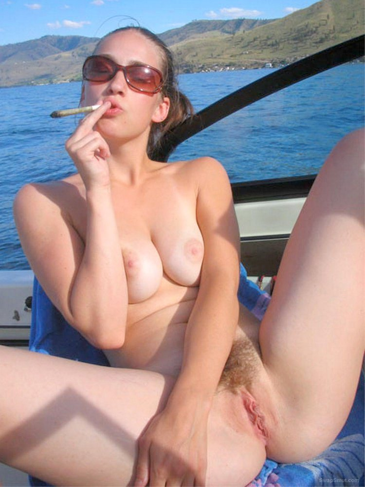 Cute girl is pleased to fuck and to suck on a boat