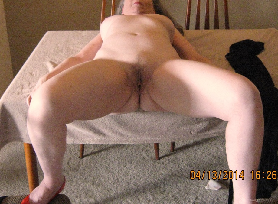 66 year old pussy shots and cumming using sex toy tied up