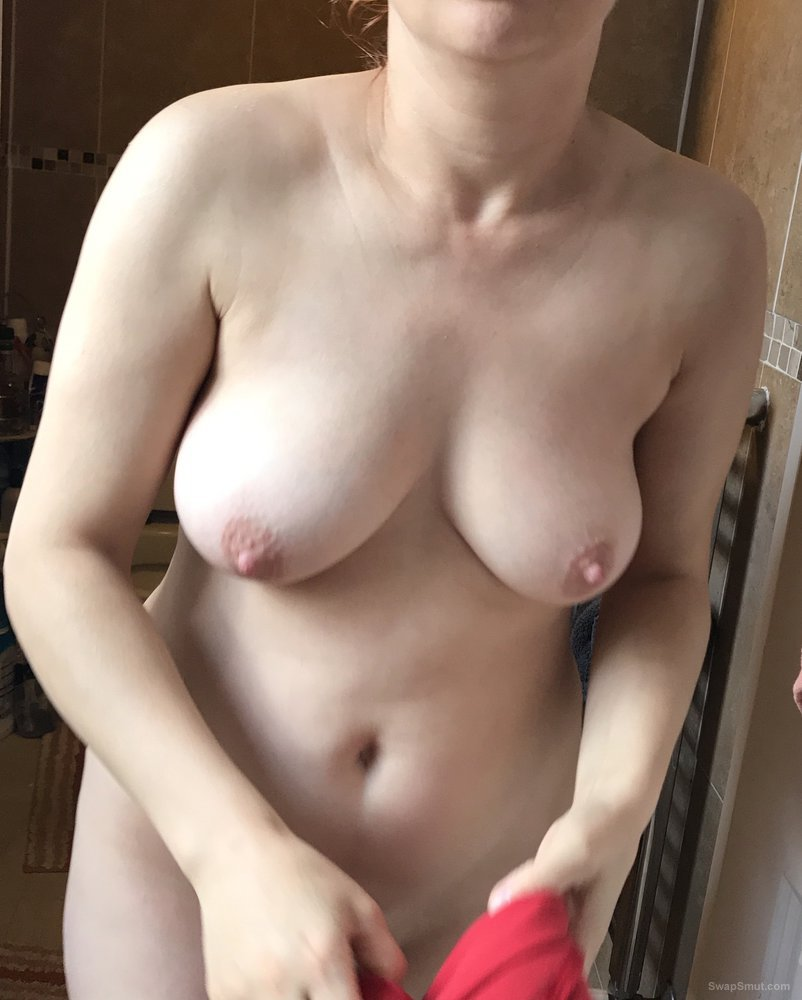 My pussy wife after fuck, I love to lick this pussy