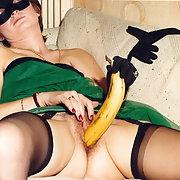 Masquée mais pas de partout jeu avec une banane