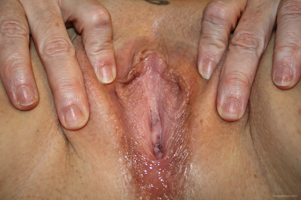 Mature Divorced W/F wants to be covered in hot creamy cum