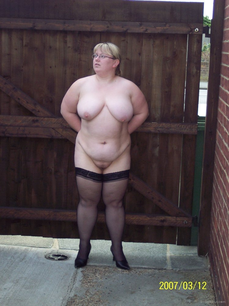 wife outside and horny