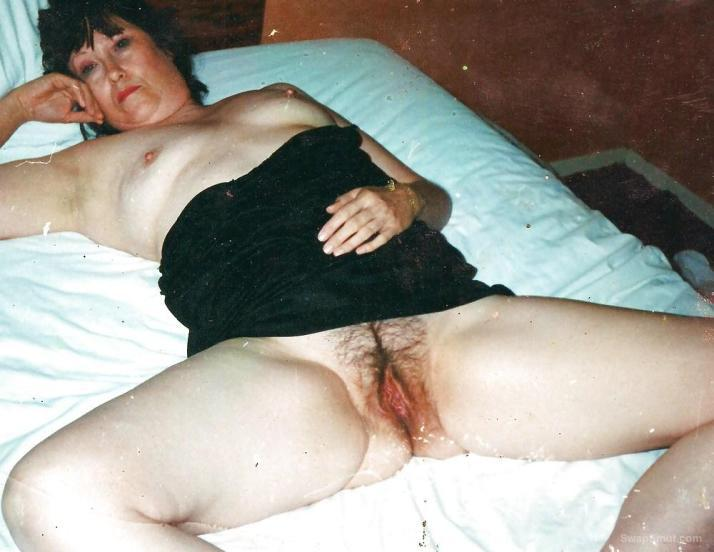 Mrs Budman Nasty Photos for all to see of her hairy cunt pussy