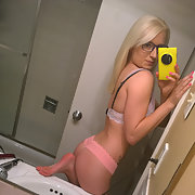 Hot blonde girlfriend sexy selfie photos