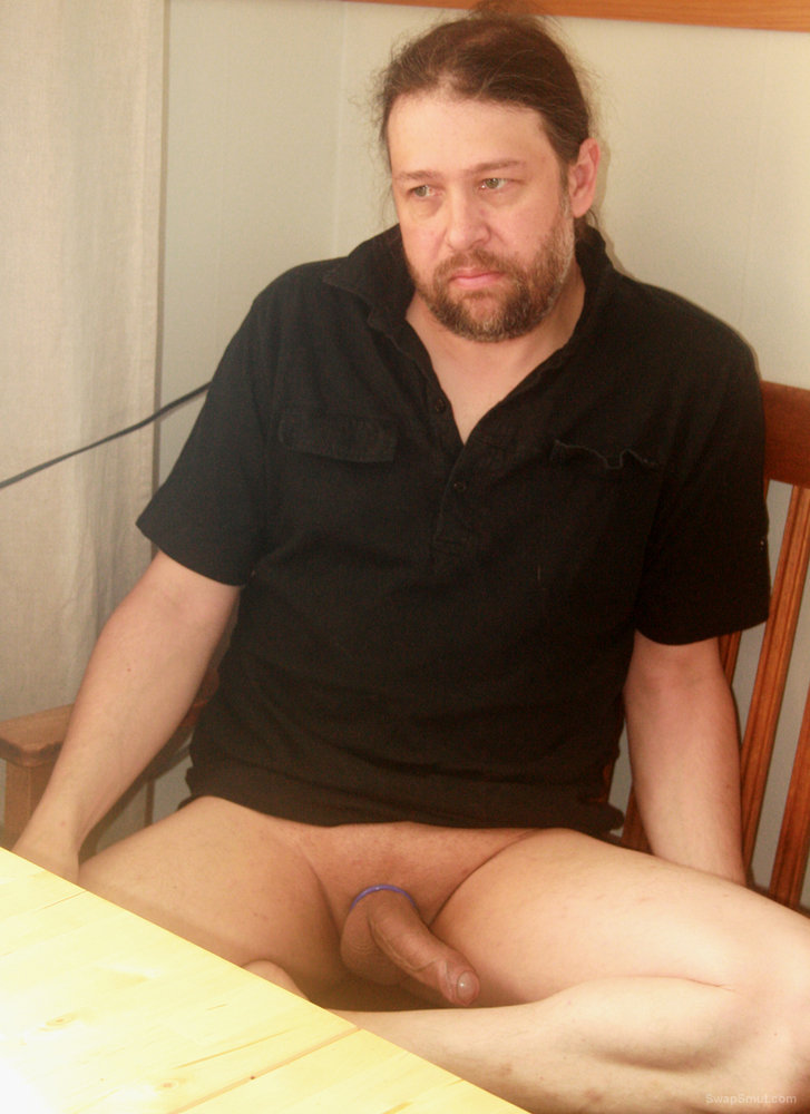 Pelle Westlund from Kiruna naked with an erect penis on display