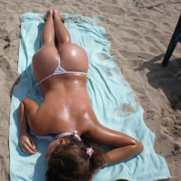 Yasmim Young Bitch Brazilian São Paulo Sunbathing In Just A G String