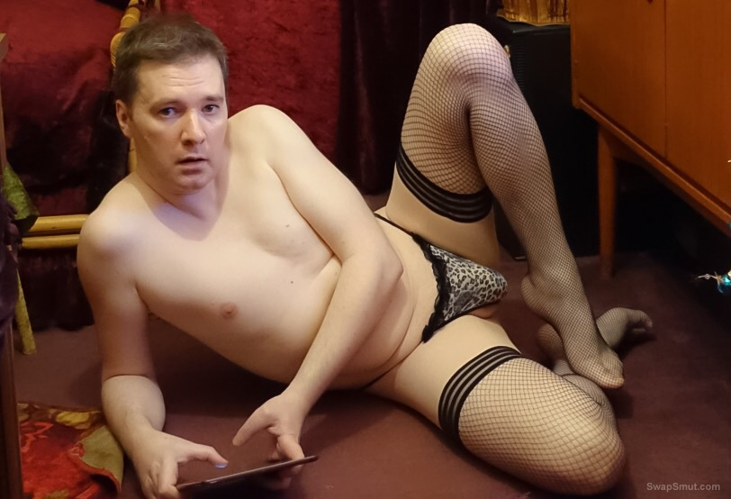 Horny, showing my shaved ass with stockings