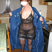 a casa milf posing for amateur pics in sexy lingerie