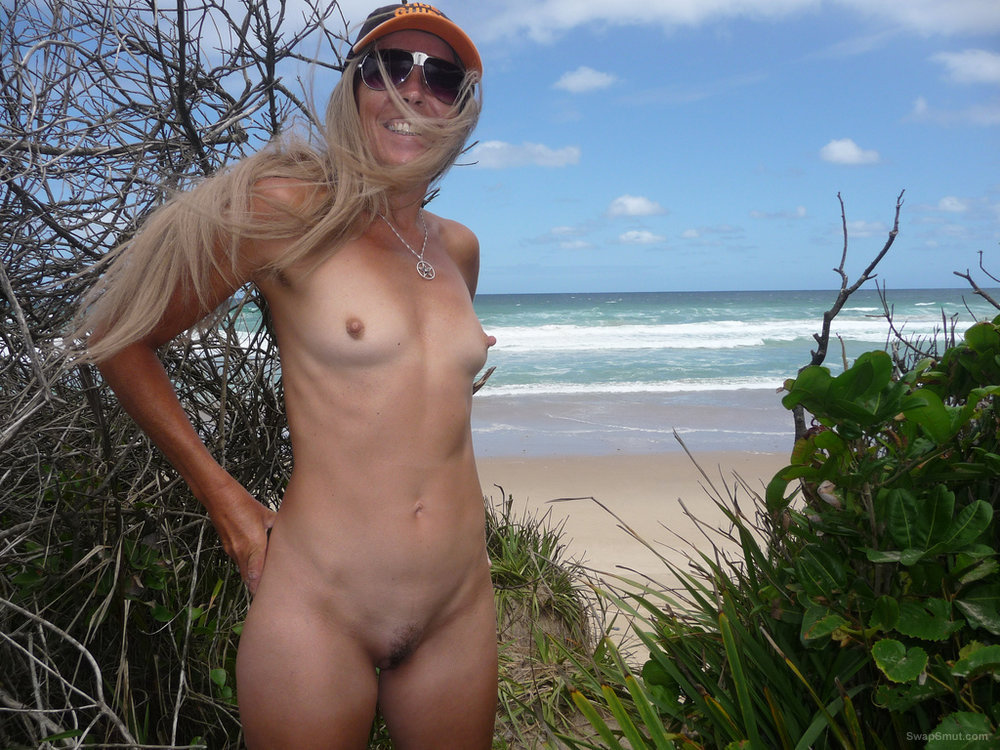 Mature milf nudist naked at the beach