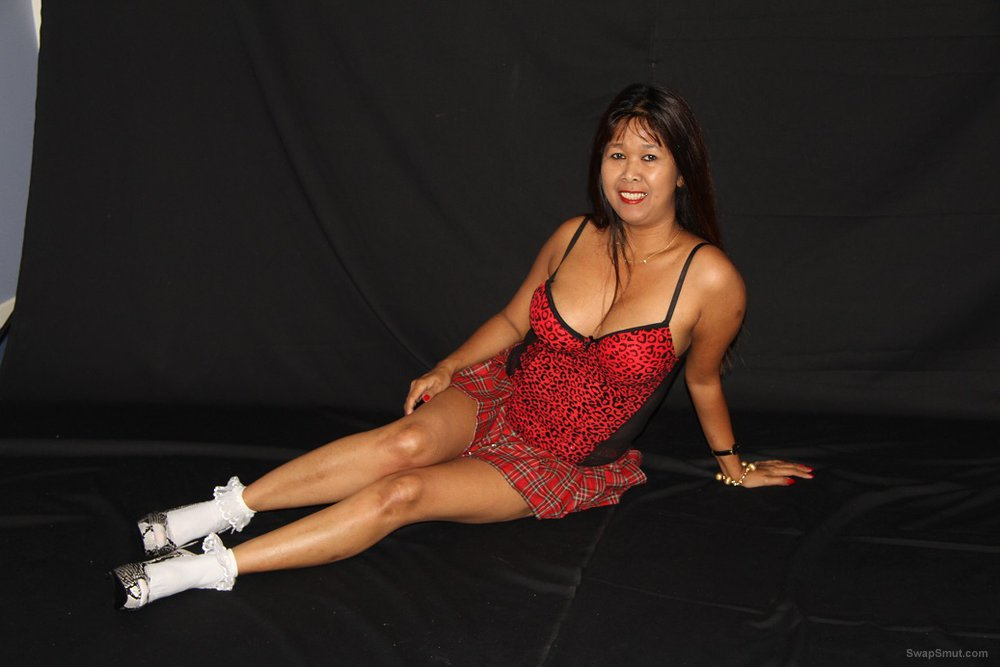 More of Asian MILF came in for a photoshoot and receives some cum