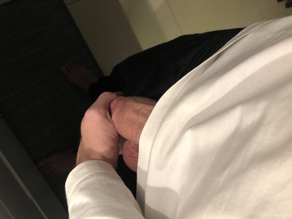 Watch me masturbate alone at home