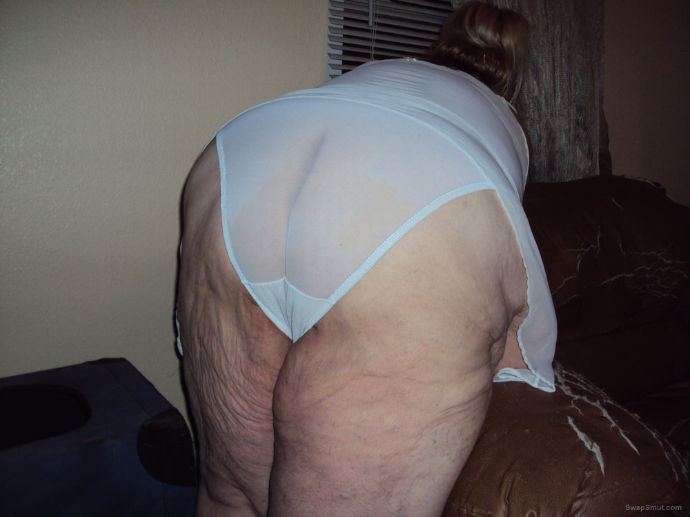 BBW all dresed up in sexy white I love doing pics and vids