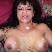 Mature bitch xxx spunked on her tits after fuck and suck