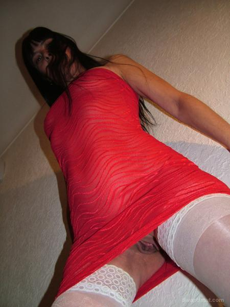 Sexy Louise's new Red Dress upskirt slit pictures and masturbating