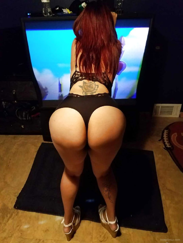 Big ass latina in high heels super horny and needs to be fucked