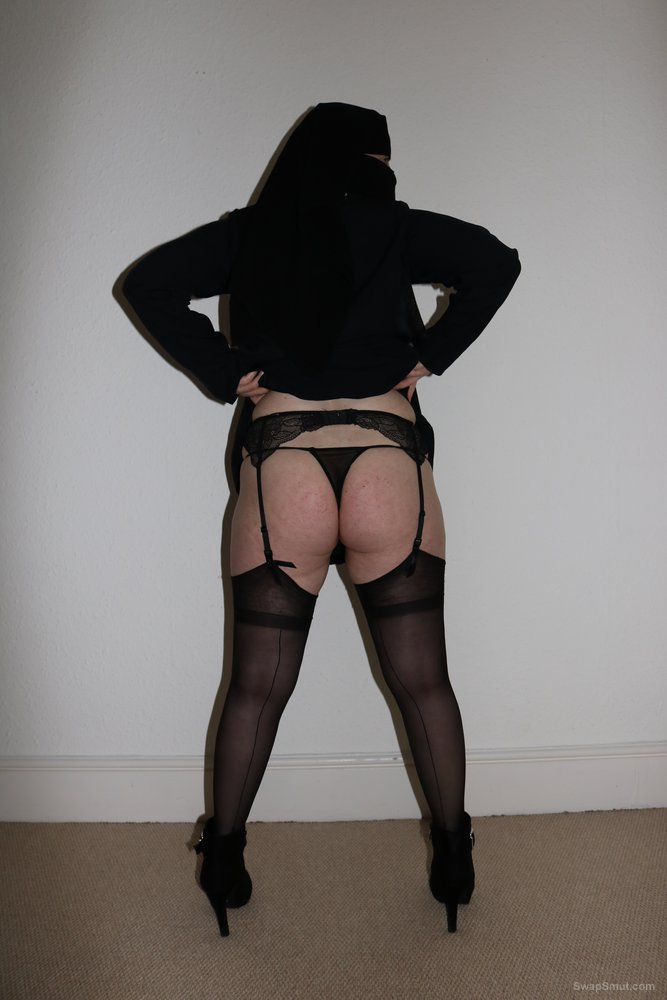 UK wife in Burqa Niqab and Stockings