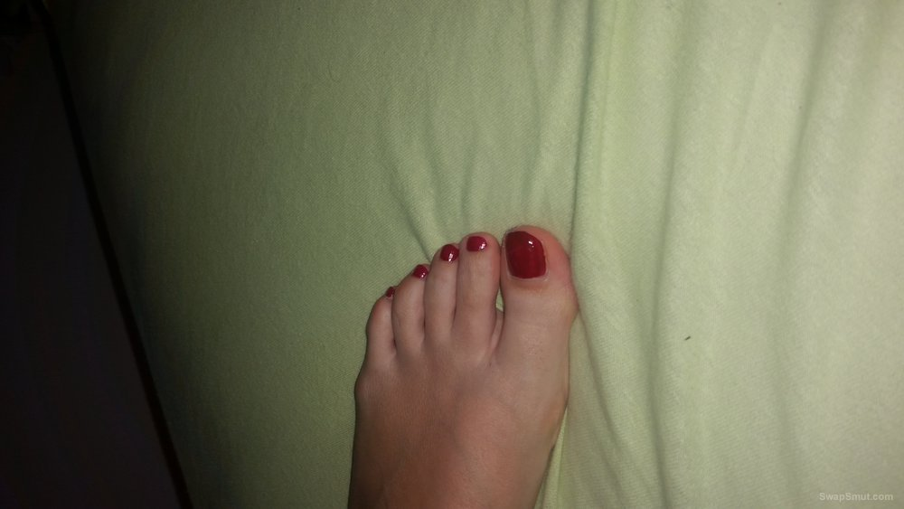 Very sexy feet my young wife in room homemade photo