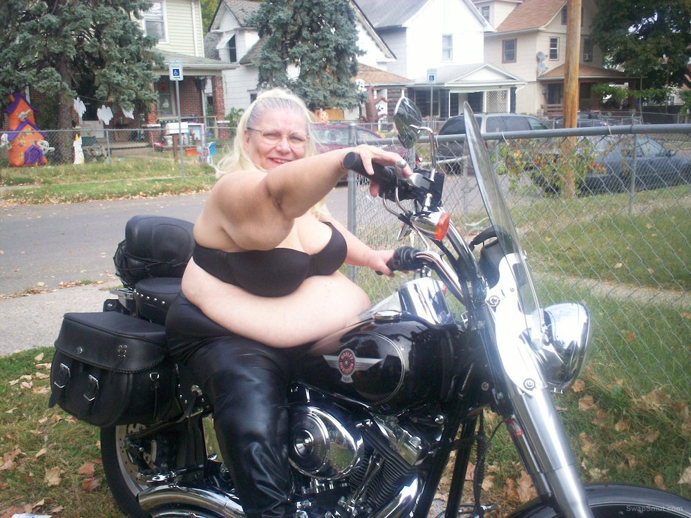 wanting to do pics and vids on harleys hot rods muselcars