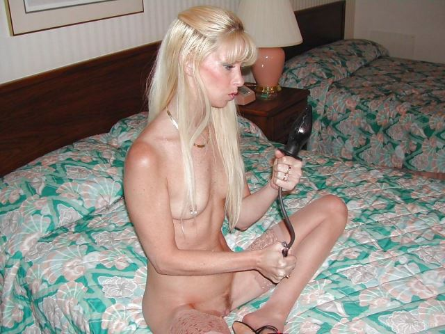 Stunning Blonde training for the big day with a vacuum pump dildo