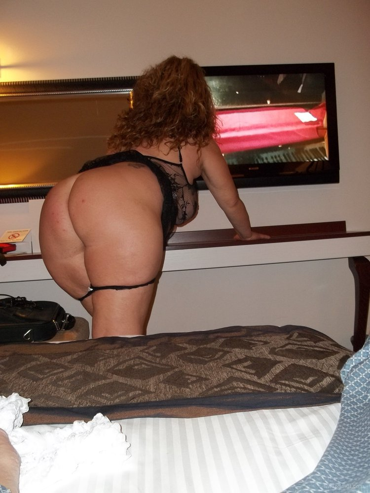 Sexy wife 32 years old naughty adult photos in lingerie