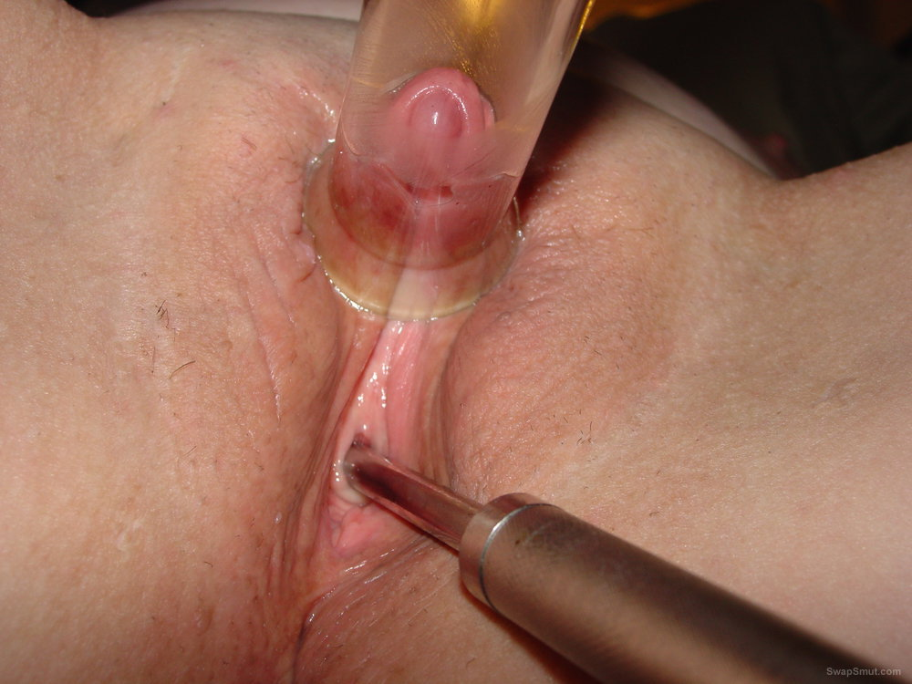 girls enlarging thier clit with suction
