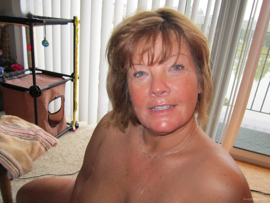 hungry wife sucking getting her face covered in jizz