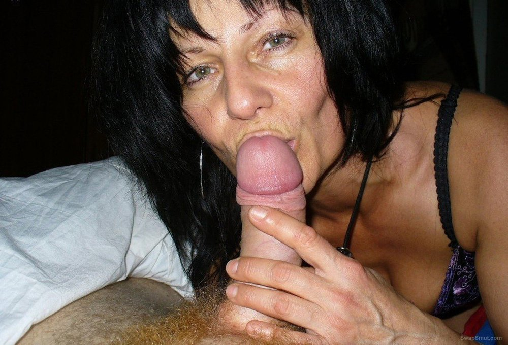 brunette mature sucking