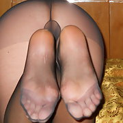 I love men cum on my pantyhose soles send me the pics