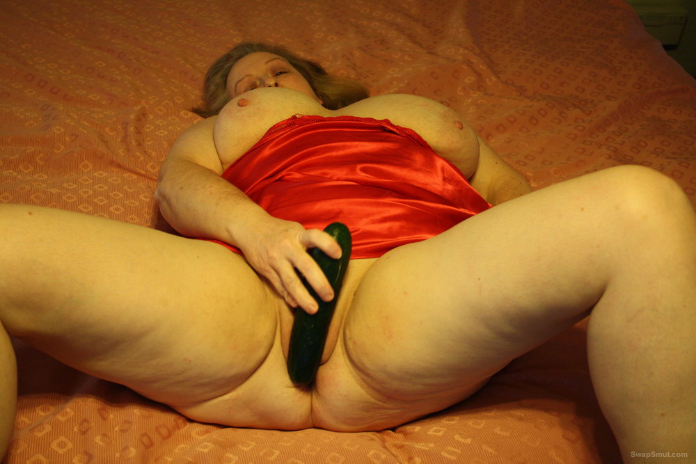 Continuation to the masturbation series of pics requested by several swapsmut stud friends