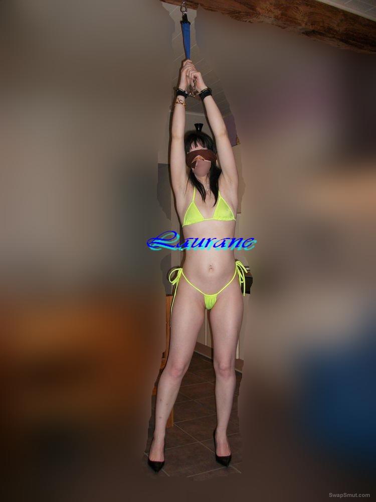 La petite Laurane attachée et offerte public flashing bondage porn