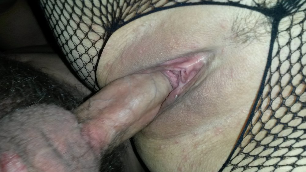 Close up bent over fun come an join in.