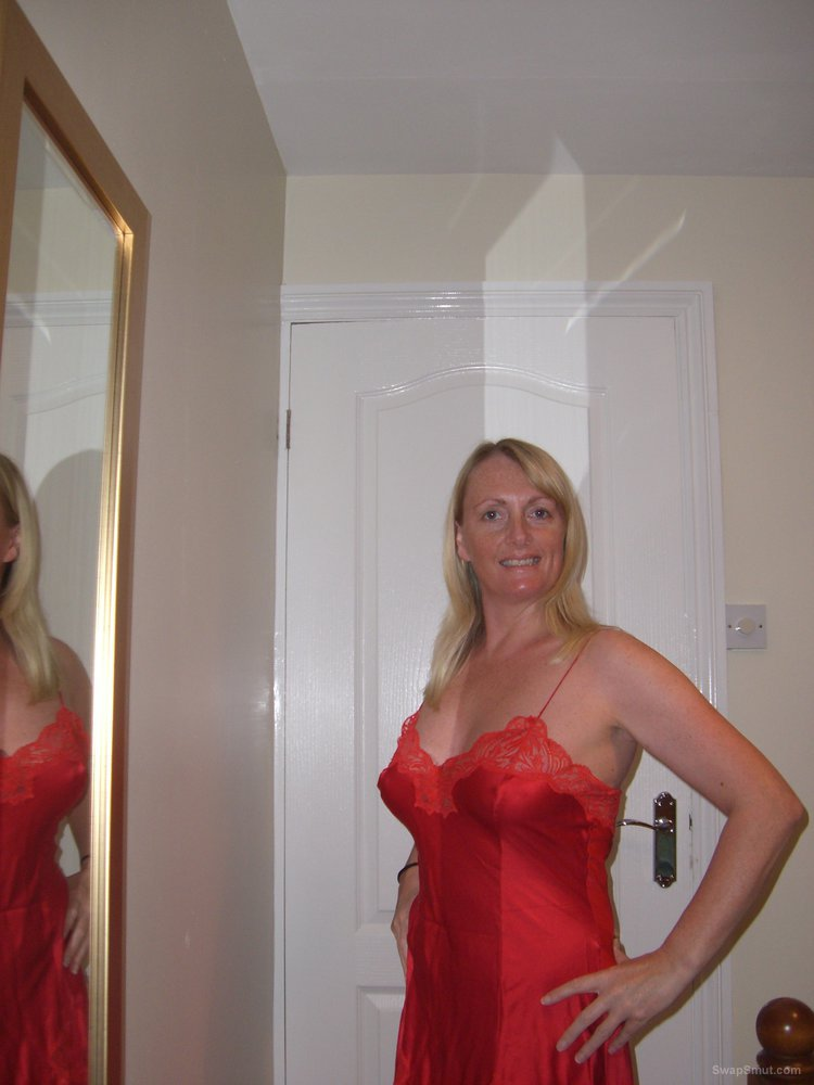 Diana, blonde Hottie from the UK