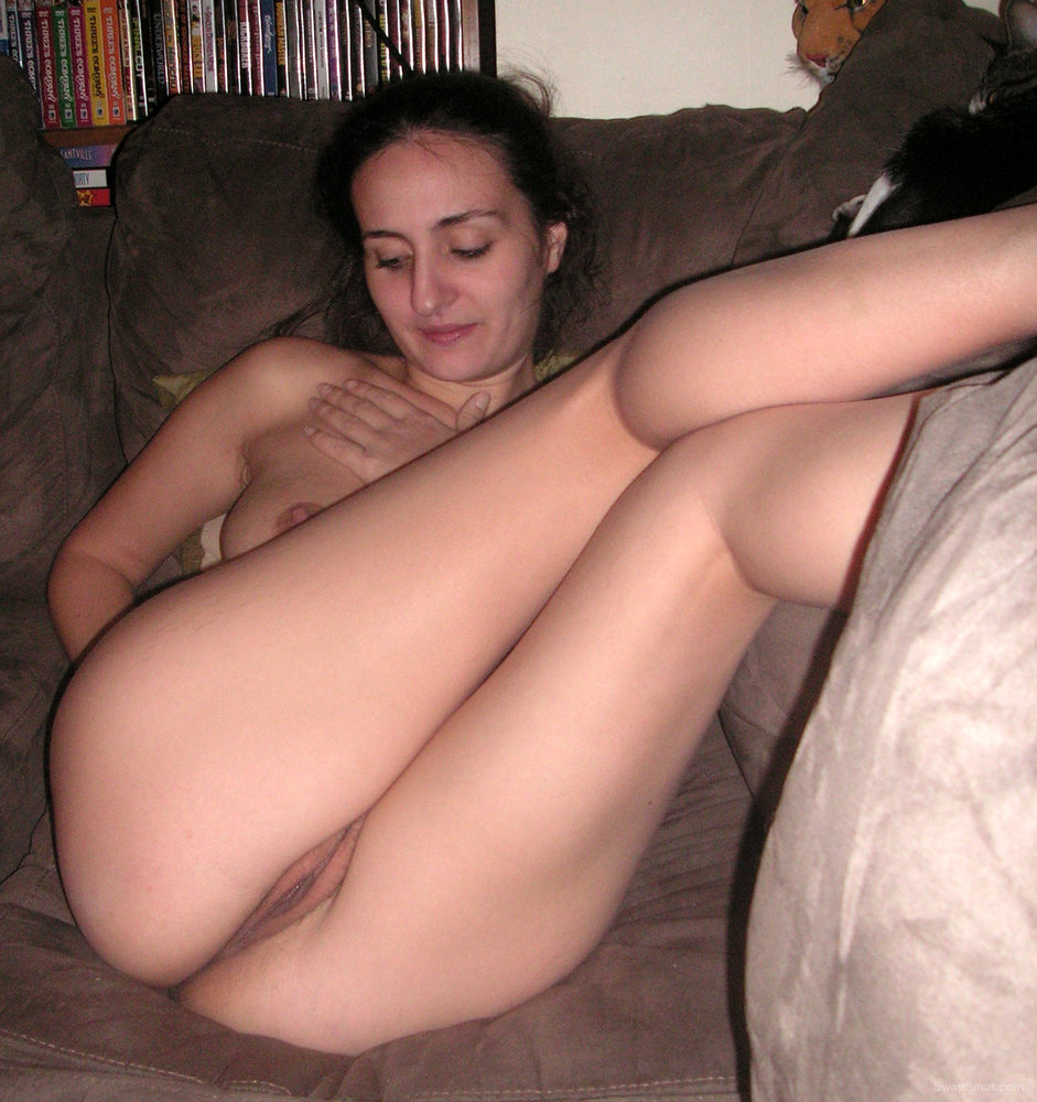 nude Arya wife