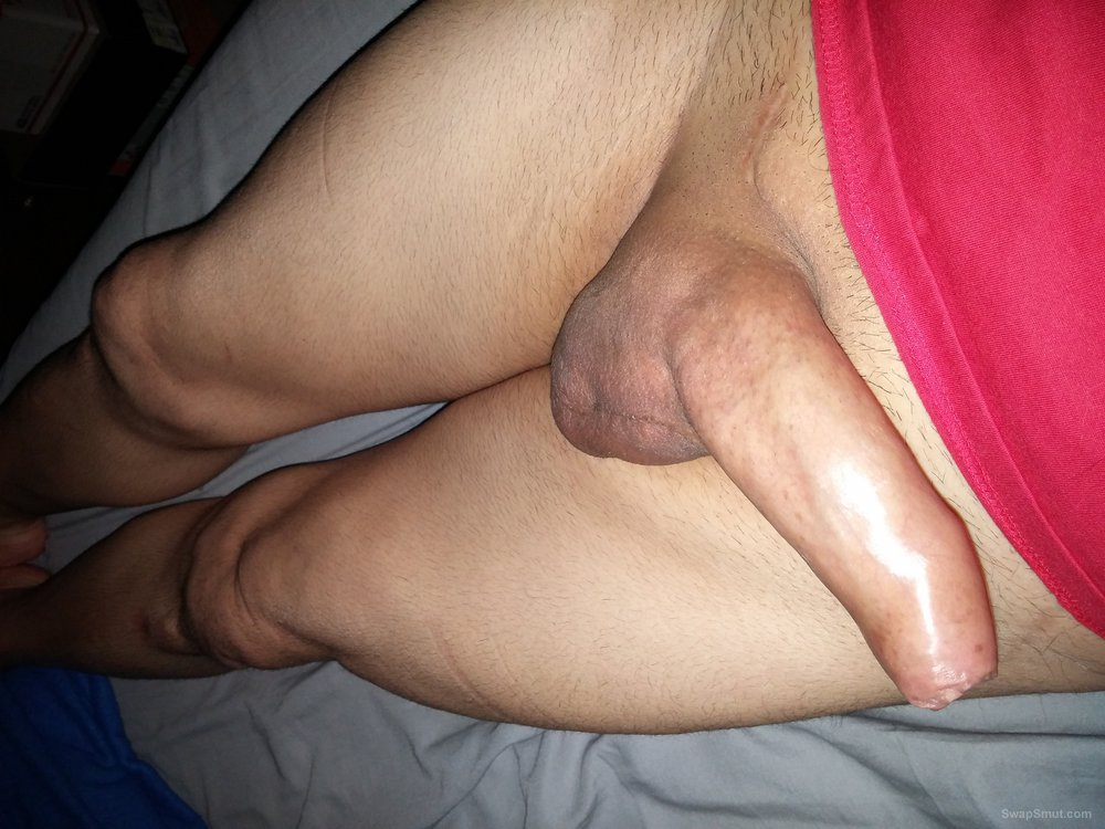 Bimale ISO bi or gay cocks for viewing and maybe playing with discreetly