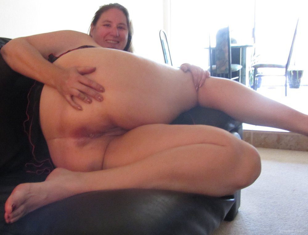 Me my legs ass and pussy on display mature BBW spreading her lips