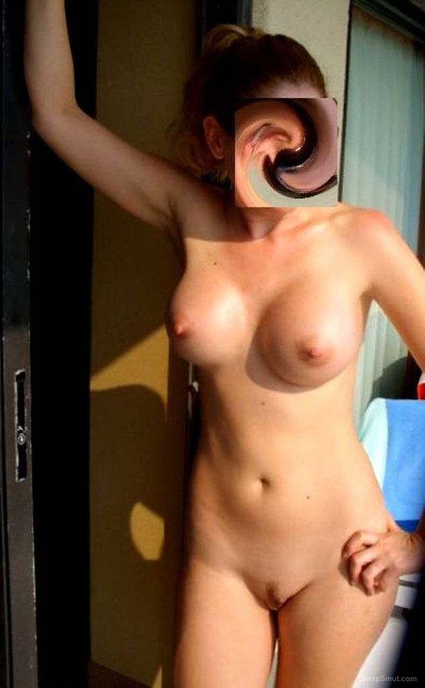 A horny wife share her hoilday pics with us what a body