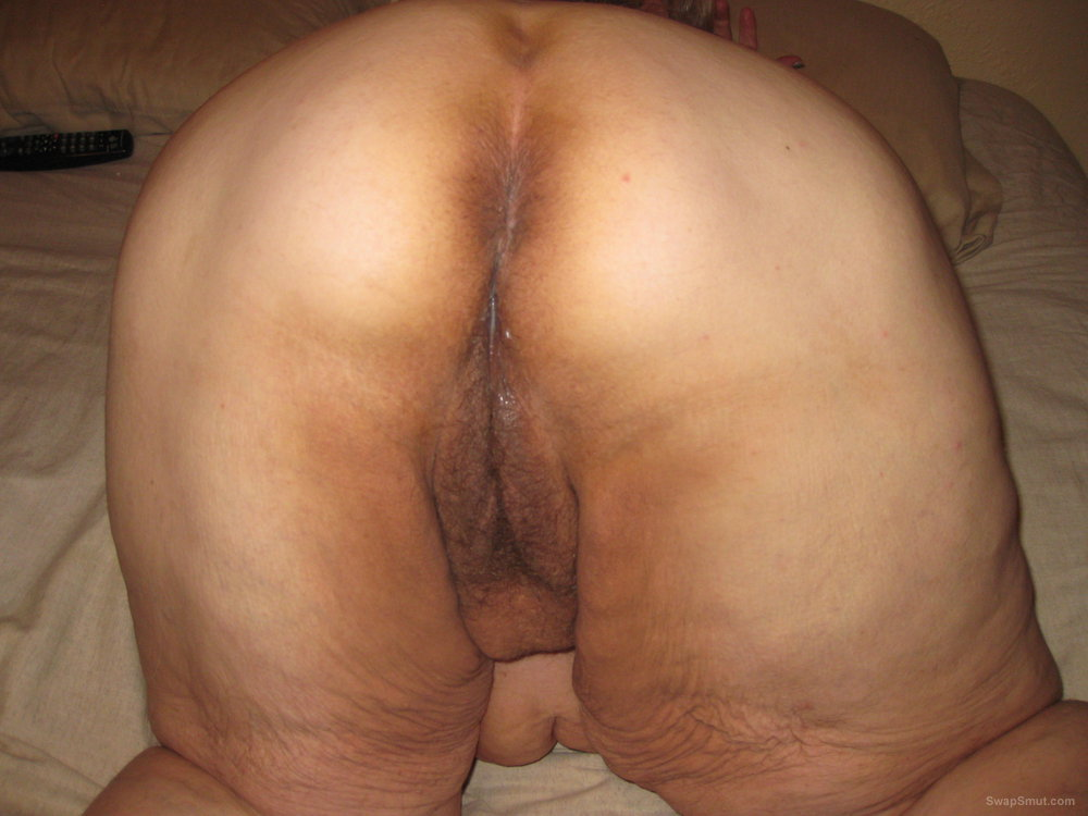 Amazingly! pussy mature pic bent over right! good