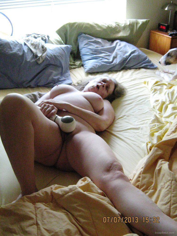 Sweet pussy posing sucking and masturbating with a vibrator