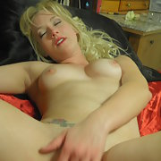 HORNY BLONDE SLUT SHOWING OFF HER WARES