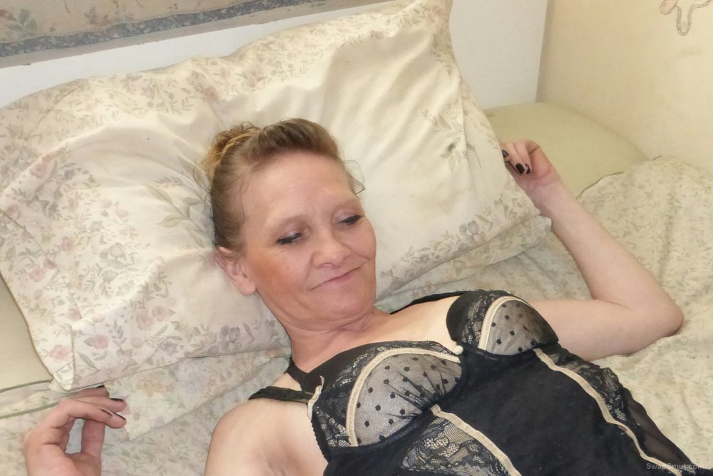 This glamorous Yorkshire granny still loves to pose for the camera