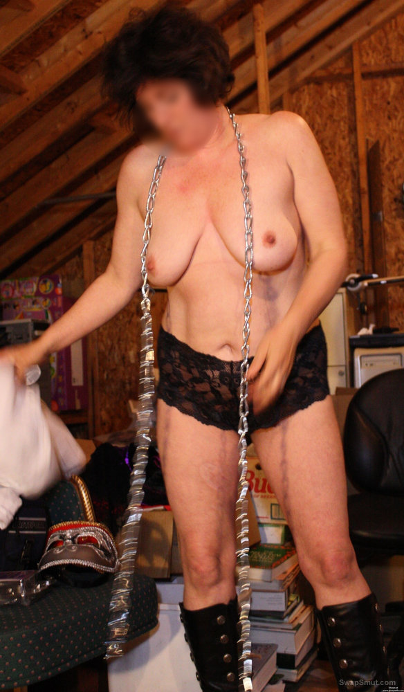 Suzi photo session in chains and black panties