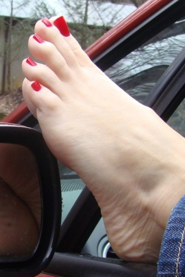 A few more of my sexy feet and toes hope you like them
