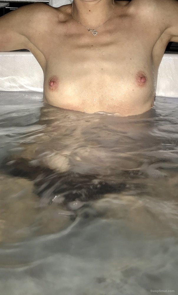 Some Sexy New Hot Tub Photos - Cute Blonde Girlfriend