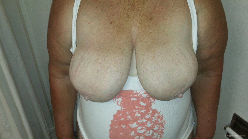 56 year old bbw wife with shaved pussy and big tits