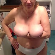 Maggy, milf lady still for you