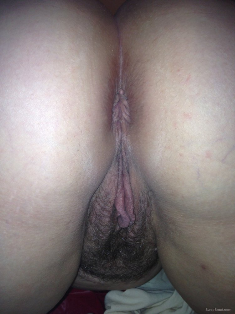 A few old ones of my phat body and and big tits enjoy them xxxx