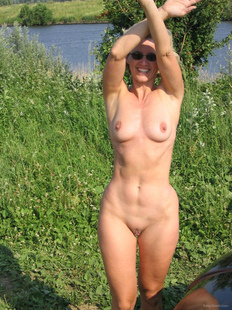Lonely girl from norway masturbates outdoor 7